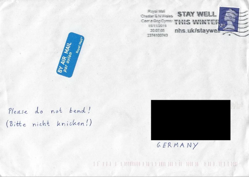 Daniel_Craig_envelope.jpg