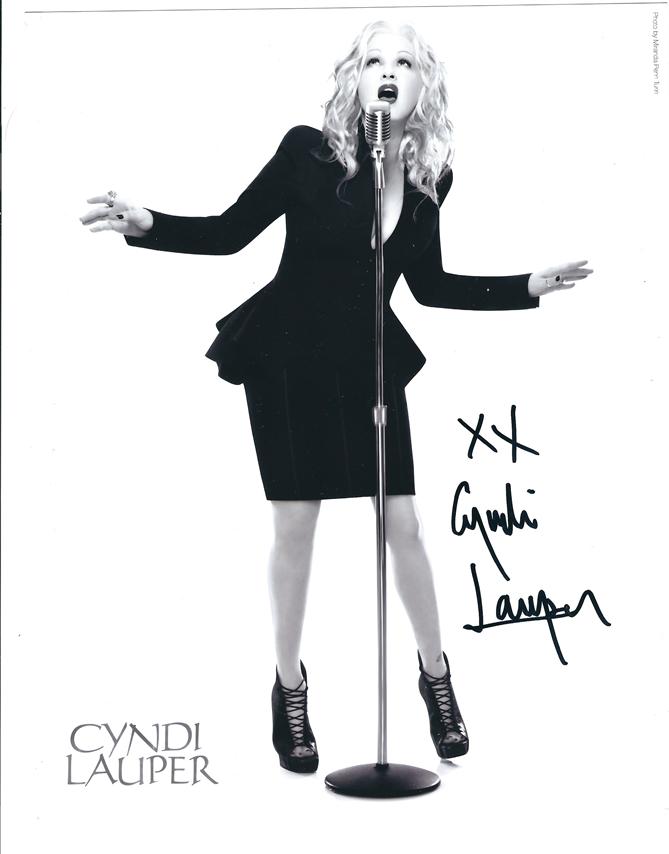 Cyndi_Lauper_Autograph.png